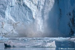 Kalbender Eqi-Gletscher