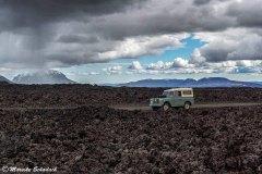 Mit dem Land Rover Serie II  auf dem Weg zur Askja