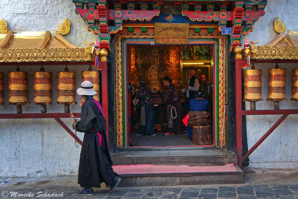 Gebetsmühlen am Barkhor in Lhasa