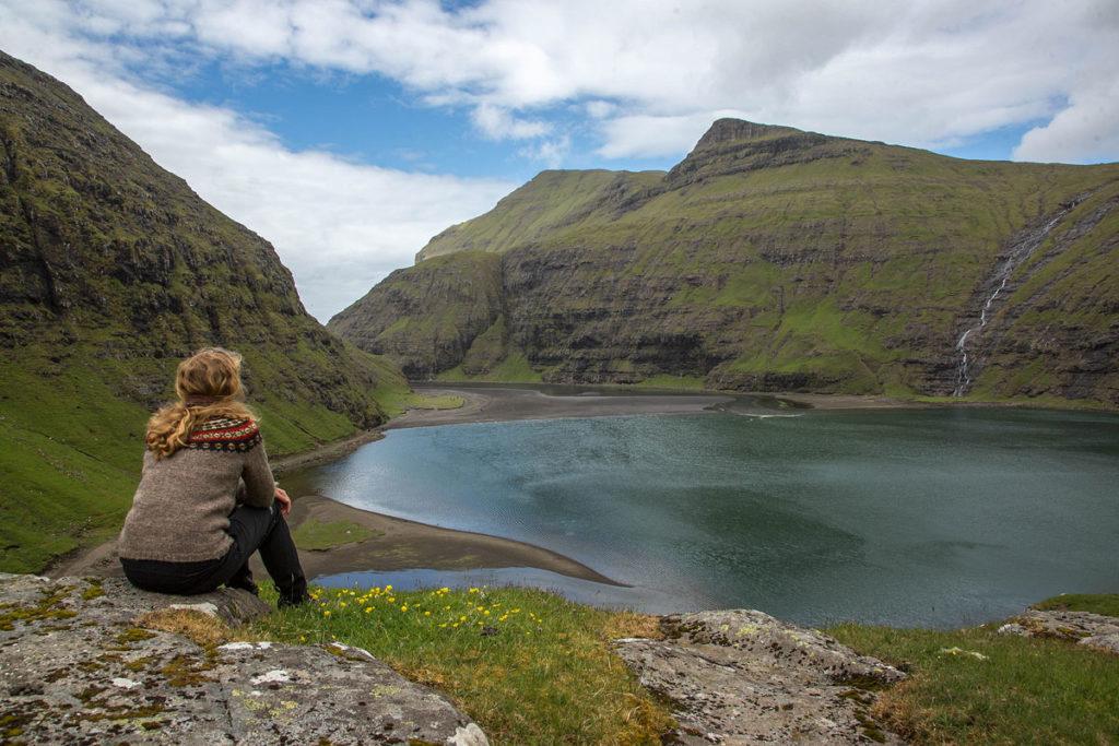 Fjord bei Saksun, Färöer Inseln