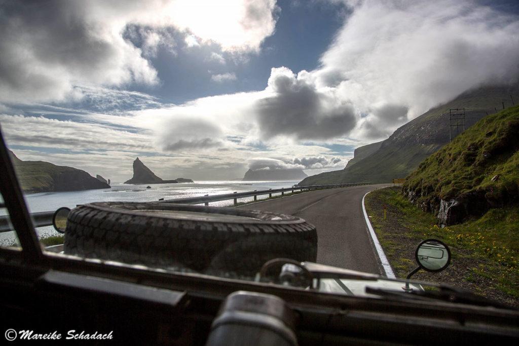Färöer-Inseln -  Roadtrip mit Land Rover Serie II