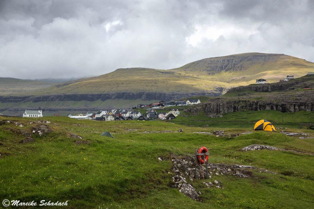 Färöer-Inseln - Zeltwiese vom Campingplatz Eiði Eysturoy