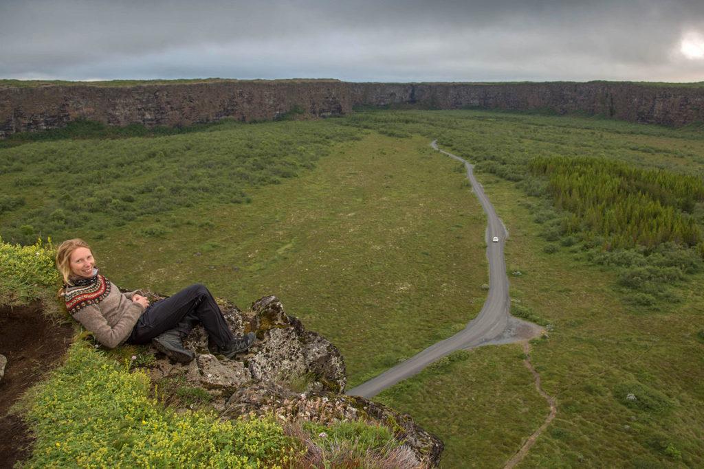 Die hufeisenförmige Schlucht Ásbyrgi ist ein Highlight vom Diamond-Circle in Island