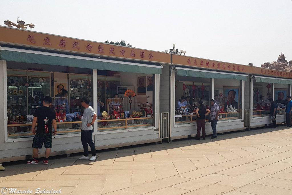 Souvenirstände hinter dem Mao-Mausoleum