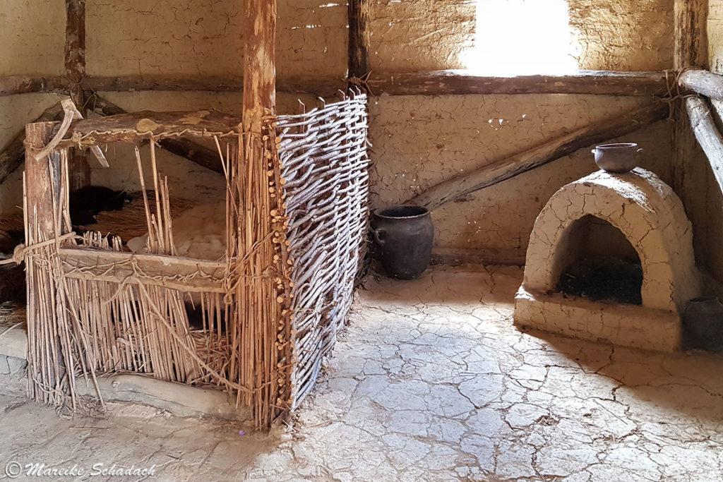Rekonstruierte prähistorische Hütte Ohridsee