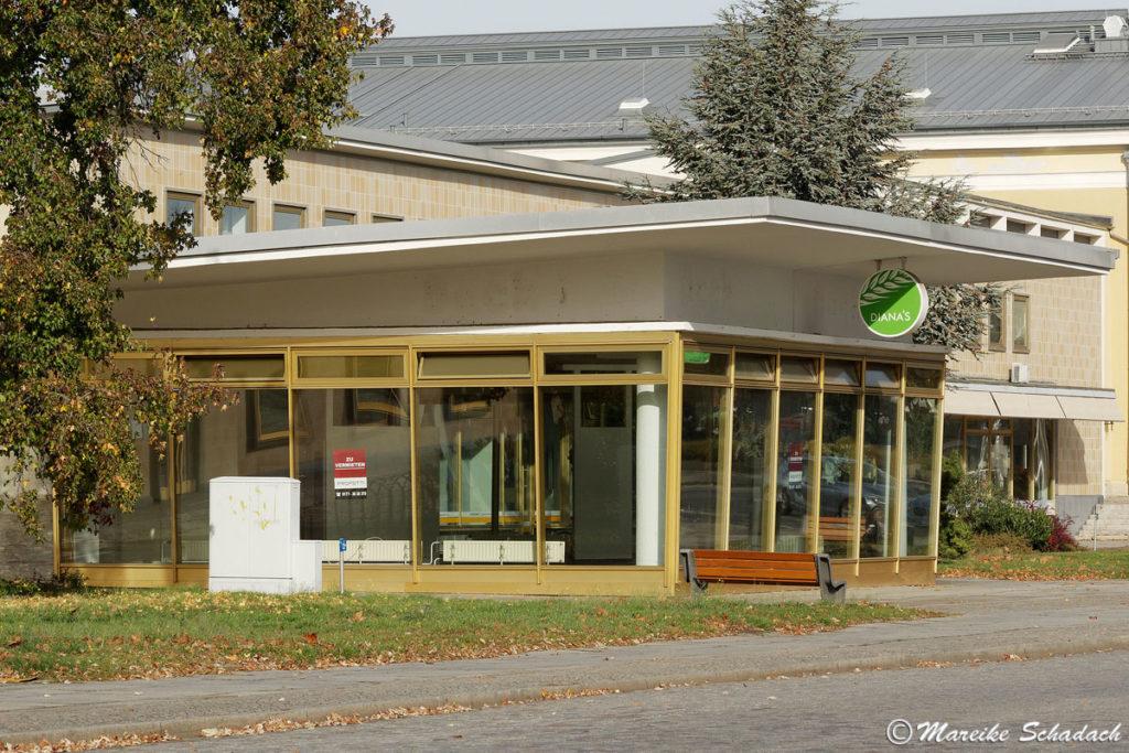 Eisenhüttenstadt sozialistische Architektur am IFA-Pavillon