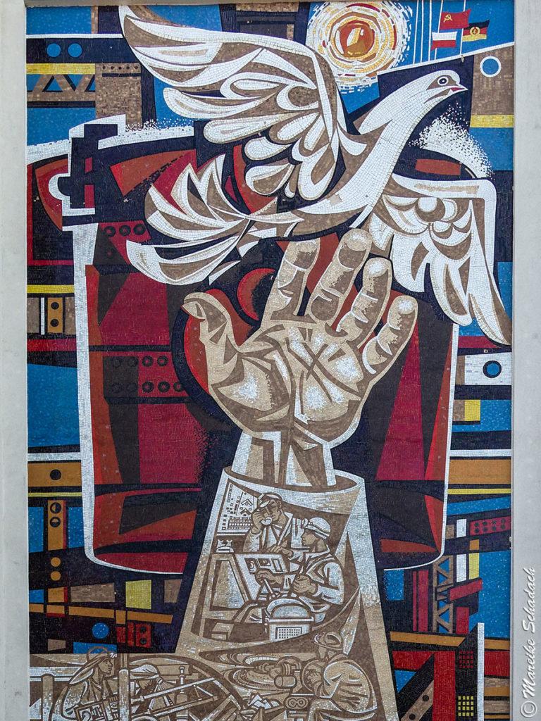"Wandbild ""deutsch-polnisch-sowjetische Freundschaft"" von Walter Womaka"