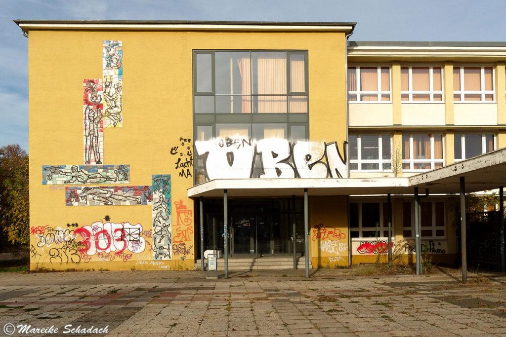 Die ehemalige Juri Gagarin Oberschule als Teil der sozialistischen Planstadt Eisenhüttenstadt