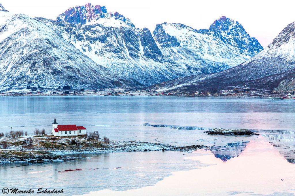 Sildpollnes Kapelle am Austnesfjord, Lofoten