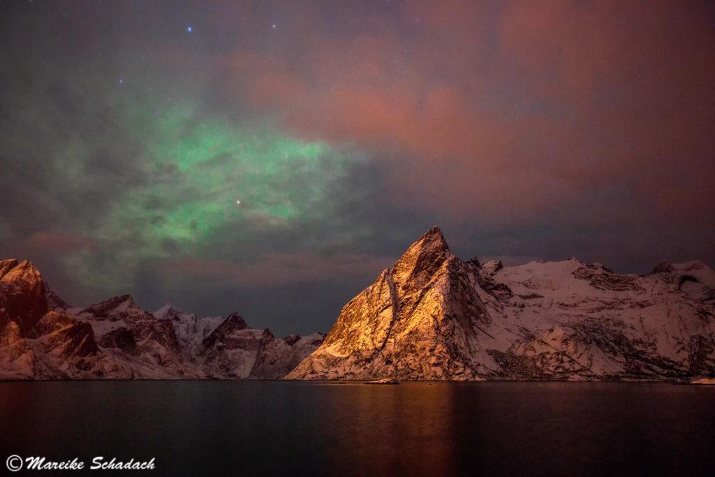 Polarlicht bei Hamnoy, Lofoten