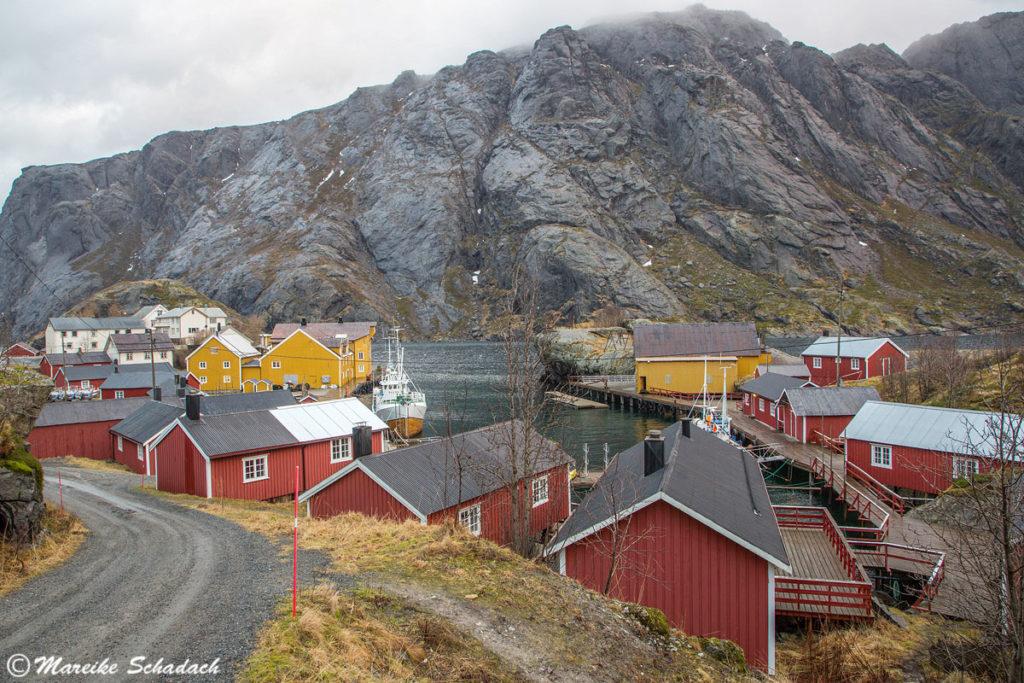 Das Fischerdorf Nusfjord ist ein Highlight der Lofoten im Winter