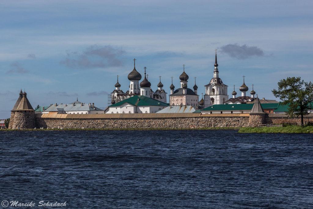 Blick auf das Kloster von Osten