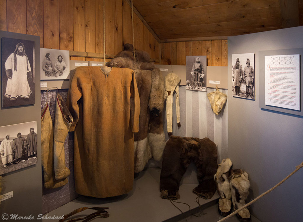 Kleidung der frühen russischen Polarforscher, die vielfach von den Solowezki-Inseln aus starteten.