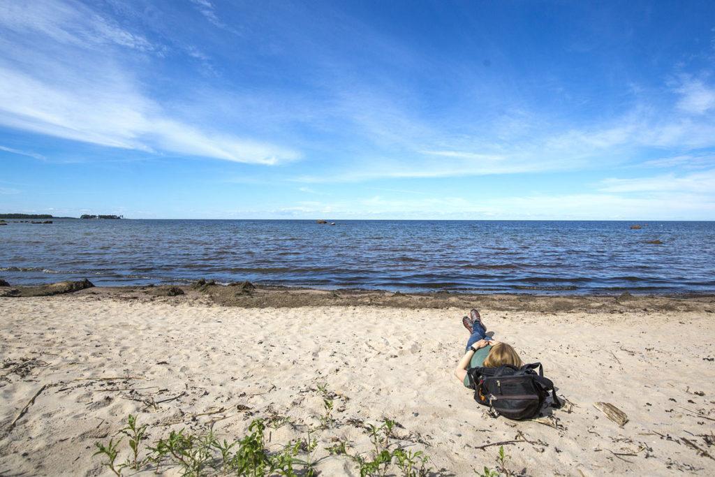 Die wohlverdienten Pausen am Strand waren immer wieder ein Highlight unseres Roadtrips im Baltikum.
