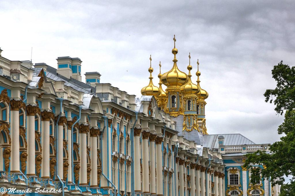 Der Katharinenpalast  ist ein Highlight unseres Roadtrips Russland & Baltikum.