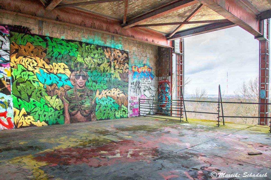 Street Art in der ehemaligen Abhörstation am Teufelsberg in Berlin