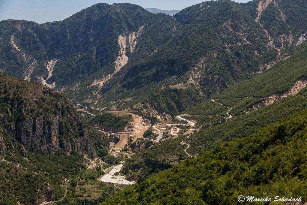 Die wunderschöne Berglandschaft war ein Highlight unseres Roadtrips in Albanien