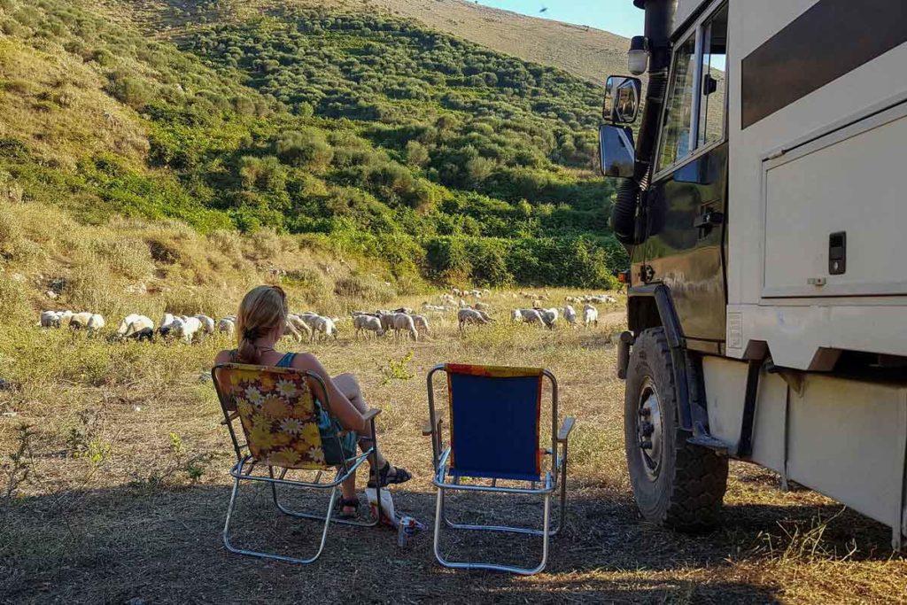 Die wunderschönen Stellplätze waren ein Highlight unseres Roadtrip Albanien