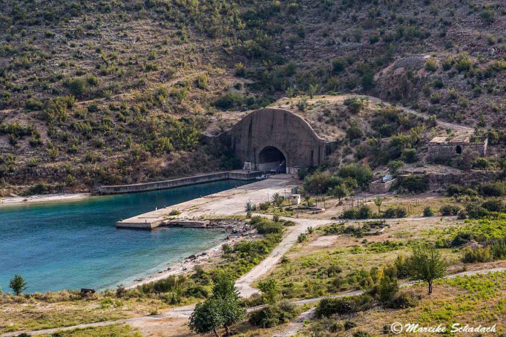 U-Boot Bunker bei Palermo, Albanien