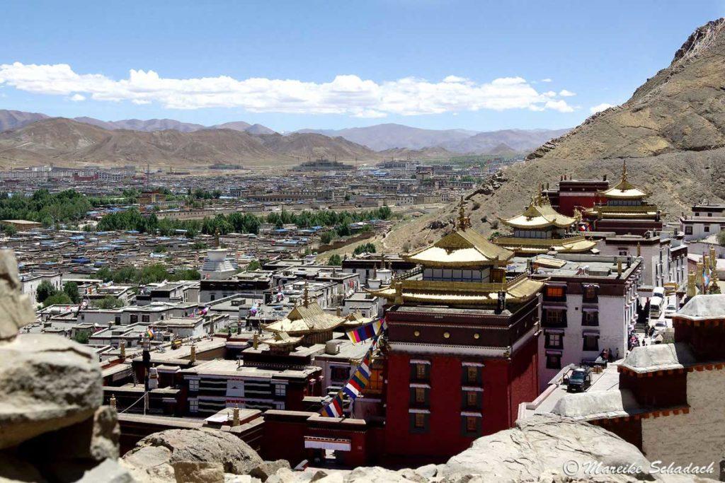 Blick von dem Pilgerweg des Tashilhunpo Kloster