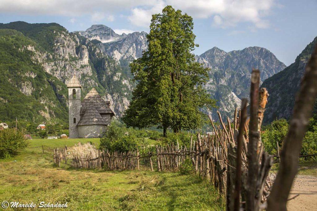 Theth in den Albanischen Alpen