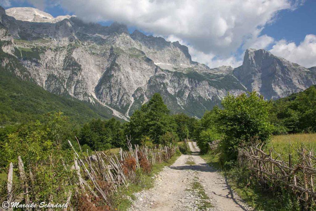 Mit dem Allrad Camper nach Theth  war ein Highlight während unseres Roadtrips in Albanien