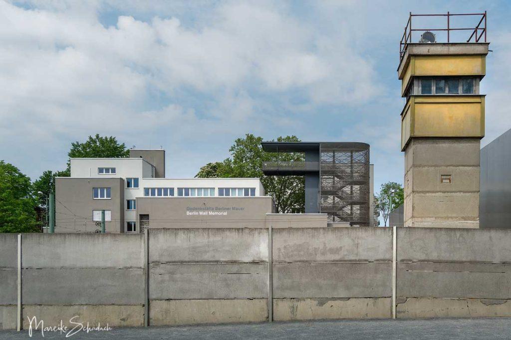 Wachtürme und Reste der Berliner Mauer