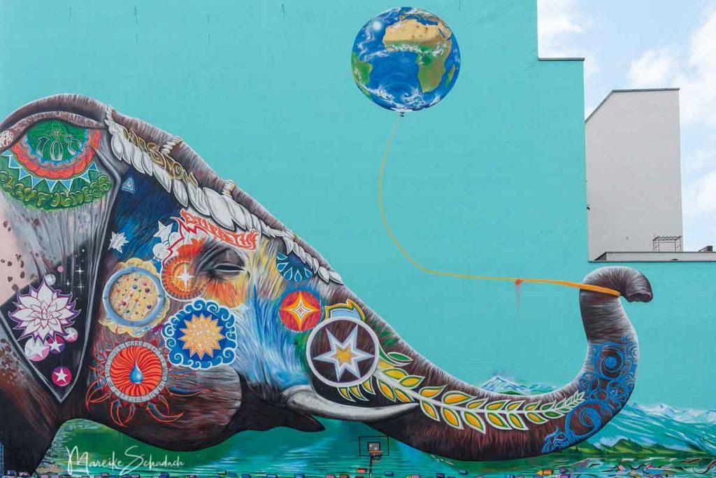 Mural von Jadore Tong: Peace Unity Love Wisdom