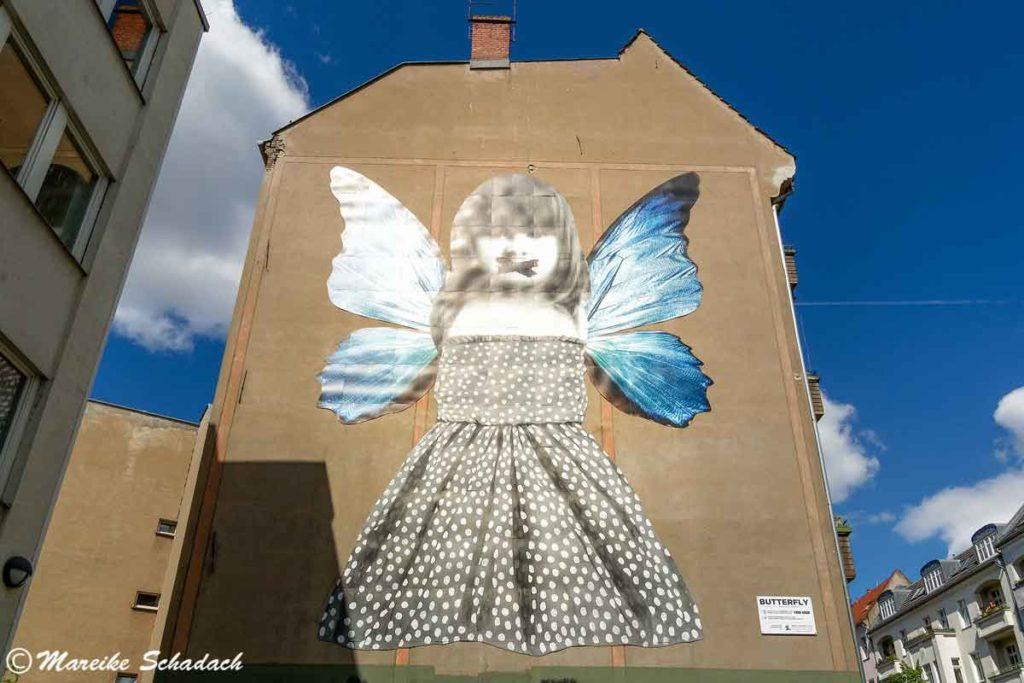 Mural von Michelle Tombolini: Butterfly - Street Art Map Berlin