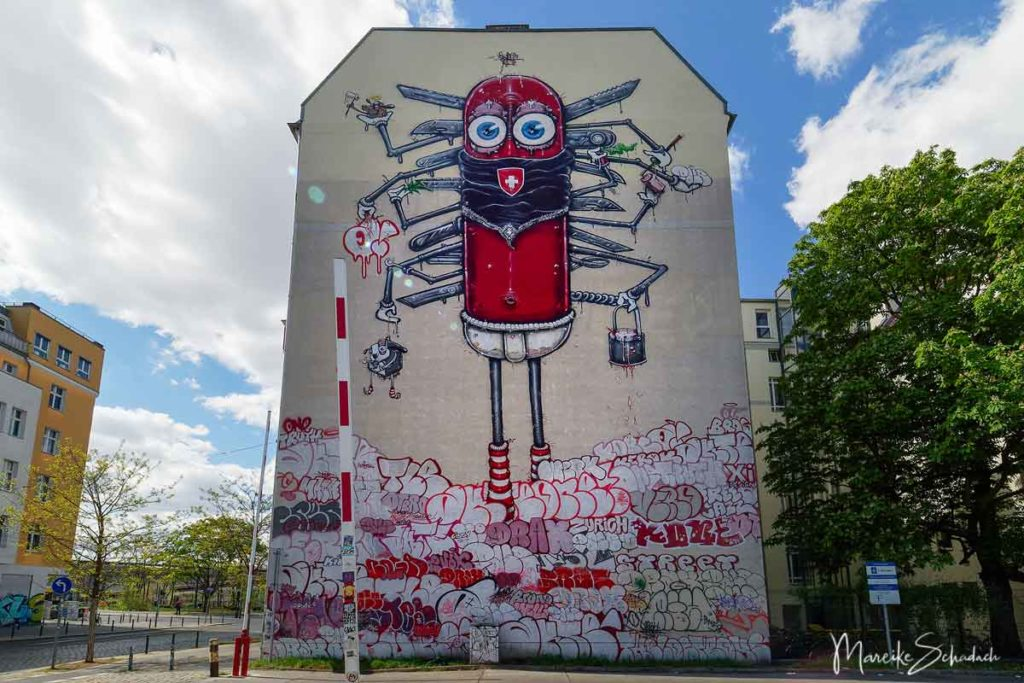 Mural von One Truth: Swiss Knife - Street Art Map Berlin