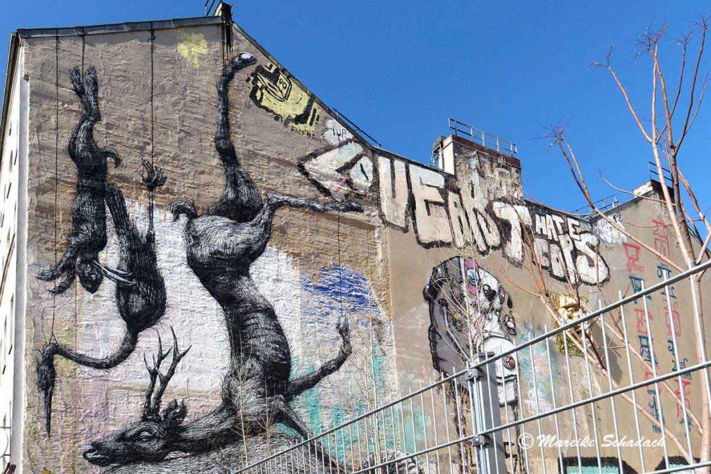 Mural von Roa: Nature Morte - Street Art Map Berlin
