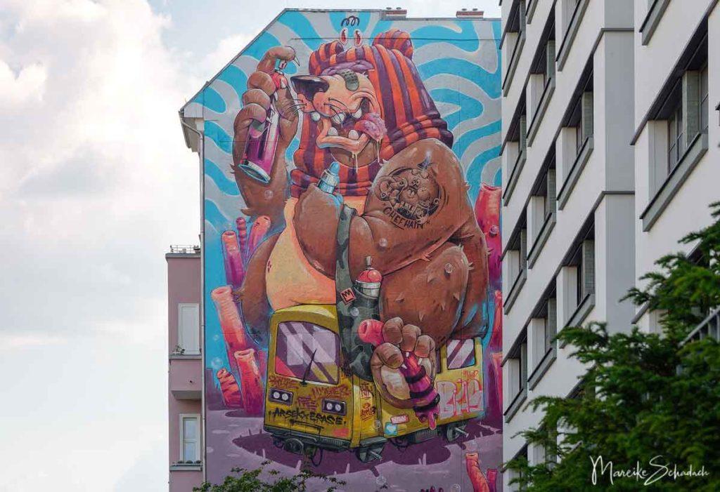 Mural von Arsek Erase, HRVB the Weird: The Berlin Bomber - Street Art Map Berlin