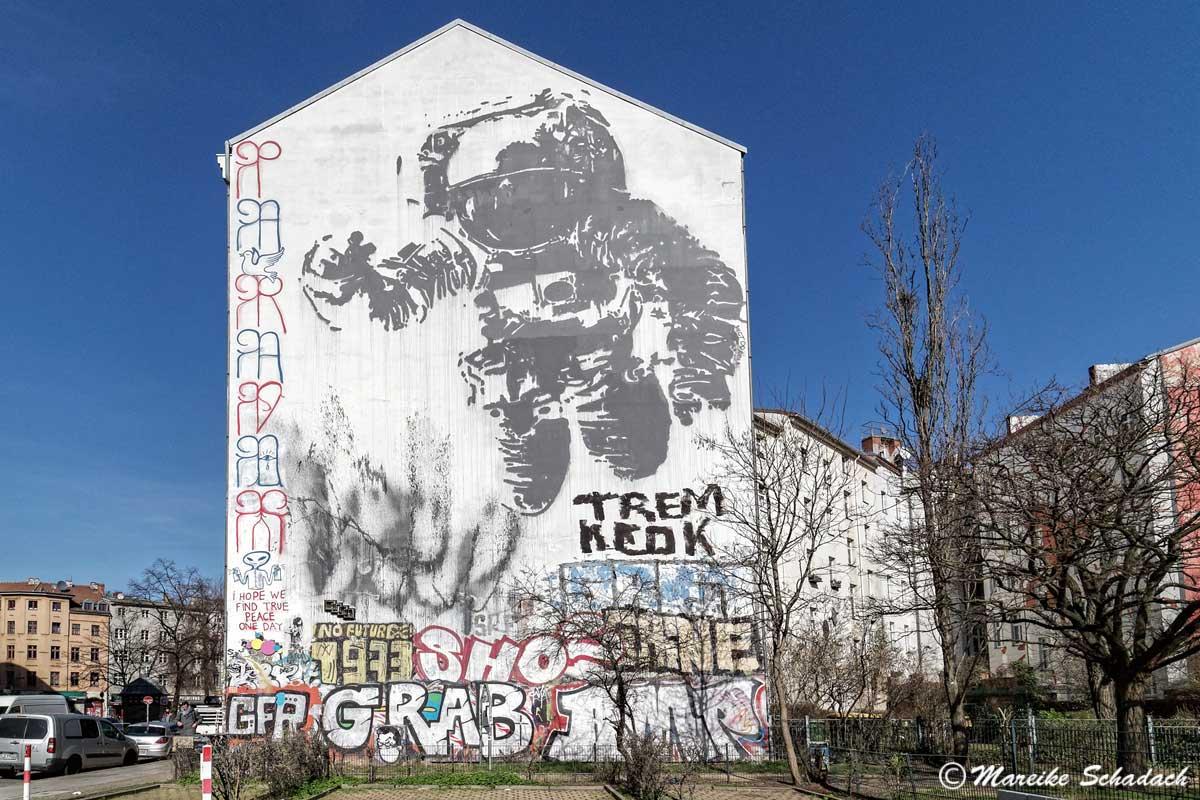 Street Art Map – Berlin Friedrichshain-Kreuzberg. Astronaut/Cosmonaut von Victor Ash