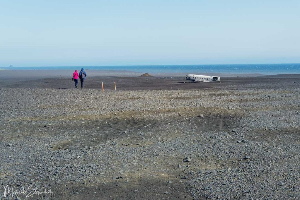 Wanderung zum Flugzeugwrack am Strand von Sólheimasandur