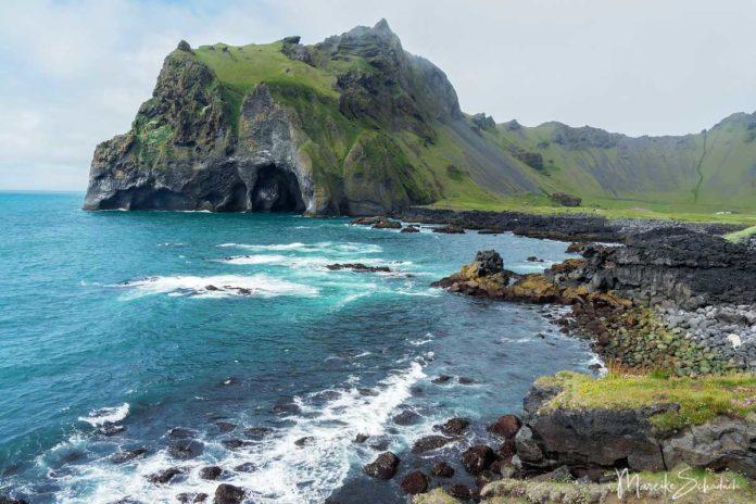 Westmännerinseln – Wanderung zu den Puffins am windigsten Ort in Island