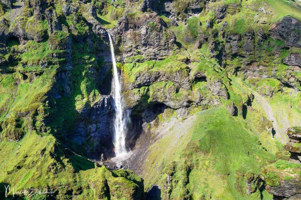Múlafoss am Múlagljúfur Canyon Island