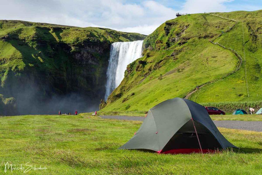 Skógafoss – Camping an einem der schönsten Wasserfälle Islands
