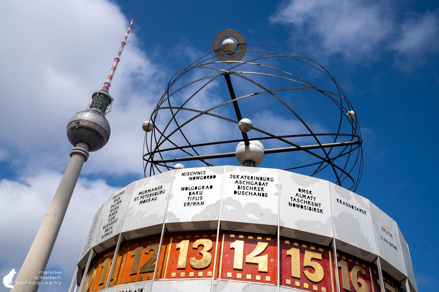 DDR Architektur in Berlin: Weltzeituhr am Alexanderplatz