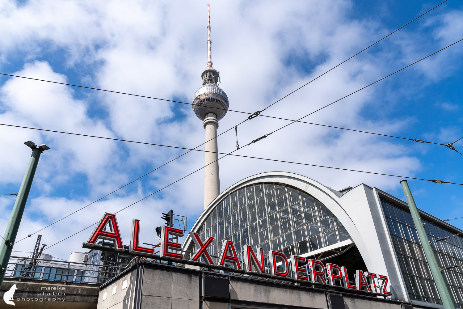 DDR Architektur in Berlin: Alexanderplatz mit dem Fernsehturm