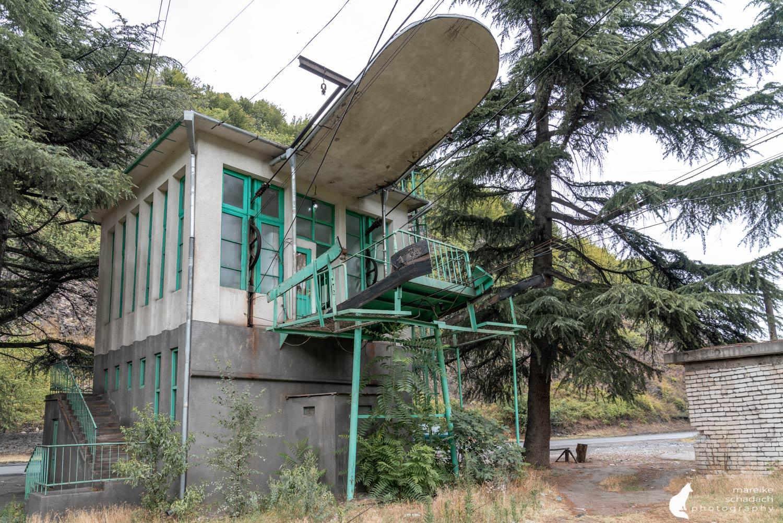 Lost Place Seilbahnstation in Tschiatura